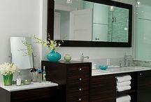 Bathrooms / by Linda Huot