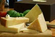 Gourmet Cheese Gifts / by Larraine Pizana