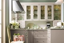 kitchens / by Mary Linn (Gates) King
