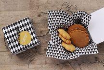 Cakes & cookies / by Jeannette Ramirez
