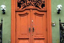 Beautiful Doors-- Open up! / by Tonya Harris Slaymon
