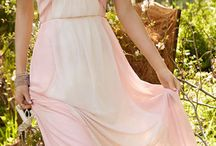 Dresses / by Madison Stielau