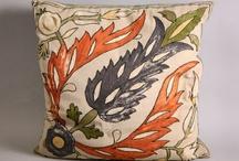 Bedding/Pillows / by Christy Davis