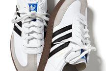 Zapatos tenis  / by William Castro Marín