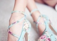 Pretty Shoes / by Linda Bohm