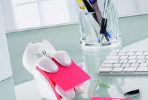 Animal love / A board where you can find our office products that have an animal theme.  / by Post-it® Brand Canada