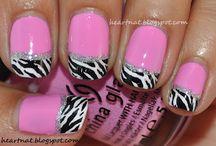 Creative Nails / by Leda Lodin