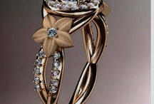 Beautiful Jewelry / by Carrie Moore