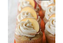 cupcakes (YUM) / by Amber-Lynn Fischer