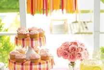Party Decor - Cake Stands / by Annamaria Cysneiros