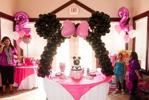 Party Ideas / by Claudia Lopez