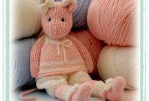 Proyectos que debemos hacer / tejidos a palillos y crochet , casitas de muñecas , juguetes y muñecas de tela / by rosa perez