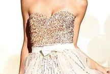 Sweet Dresses / by Coral Garcia