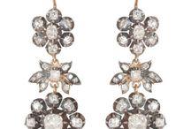Antique Jewelry Ideas / by Celia Omas