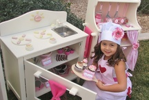 Baking Party Inspiration / Ideas for throwing a baking themed party. / by Lynlee's