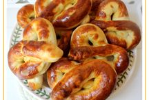 BREADBOX 2 / So want to try some of these bread recipes.. they sound delicious!! / by Diane Jones