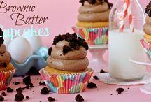 Cupcakes & Muffins / by Joy Logan Burkhart