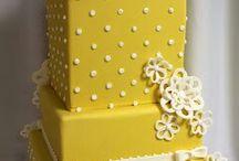Cakes / by Mirna Herrera