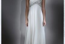 Robes de mariée  / by Nathalie LamarieeenColere