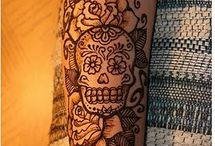 Ideas, dibujos, tattoos... / by Lorena Albarn