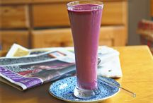 smoothies & drinks / by Apryl Deeter
