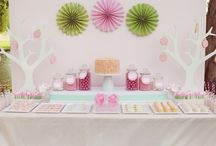 Dessert Table Ideas / by Dita Wistarini