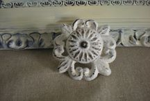 Drawer Decorations / Knobs, pulls and liners / by Cass Hickman