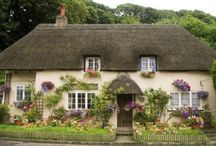 Cottages / by Monica Warford