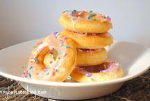 Donuts <3 / by Vicky Manchik