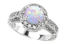 Jewelry - Wedding & Engagement Rings / by Mary Beehner