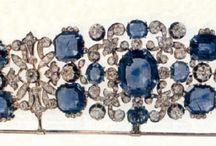 OOHHH! IT'S A TIARA!!!!! / Tiaras & Crowns / by Amy Pavel-Potts