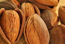 Mandorle !! Almonds !! Almendras !! / by Rosy Serra