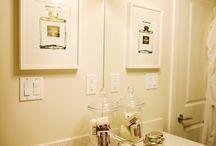 Bathroom decor / by Alexandra Veyret