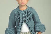 Knitting/crocheting / by Tammy Seely