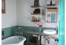 Bathrooms / by Paula Hyland