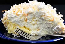 Food - Pie / by JoLynn Robinson