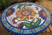 mesas de mosaico / by Maria Regina Finoti F da Silva