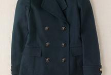 Coats I like / by Carolyn Salcedo