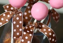 cake pops / by Brisa Veiga