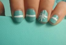 nails / by Adele Treamer