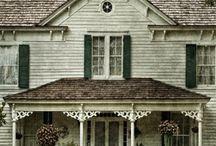 Houses / by Lorri Reimer