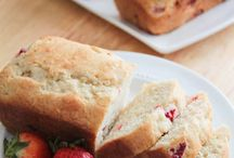 Quick breads, muffins, pound and coffee cakes / by Samantha Harris