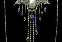 vintage jewelry / by Lois Moon