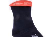 Womens Socks / В нашия онлайн магазин предлагаме различни модели дамски чорапи. Те са от актуалните колекции на голяма част от водещите български и световни марки. Можете да избирате между къси и 3/4 чорапи. Те са с предимно памучен състав, като съдържанието на еластан ги прави много удобни. С мекотата си памукът прави чорапите приятни за носене. Естествените материи са от съществено значение при създаването на чорапите, за да могат краката ни да се чувстват добре. / by Damski Drehi