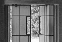 Puertas / by Mine García