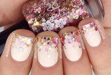 Nails / by Denise Broers