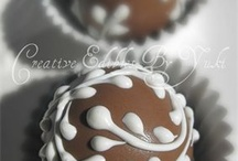 Cake Pops, Cake Balls and Truffles / by Patsy Villasenor
