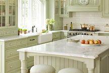 Kitchens & Pantries / by Sally Krebs