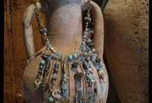 Jewelry display ideas / by Raquel Benito de Jimenez