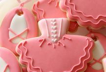 Decorated Cookies.. My New Obsession / Food / by Talaya